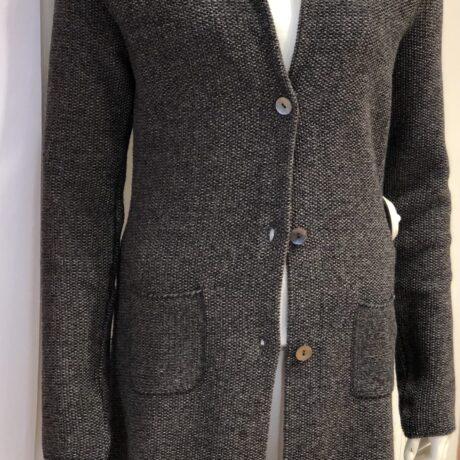 Vest Seatle €189,95, Antra Melange, 30% Wool, 30% Viscose, 5% Cashmere, 35% Polyamide